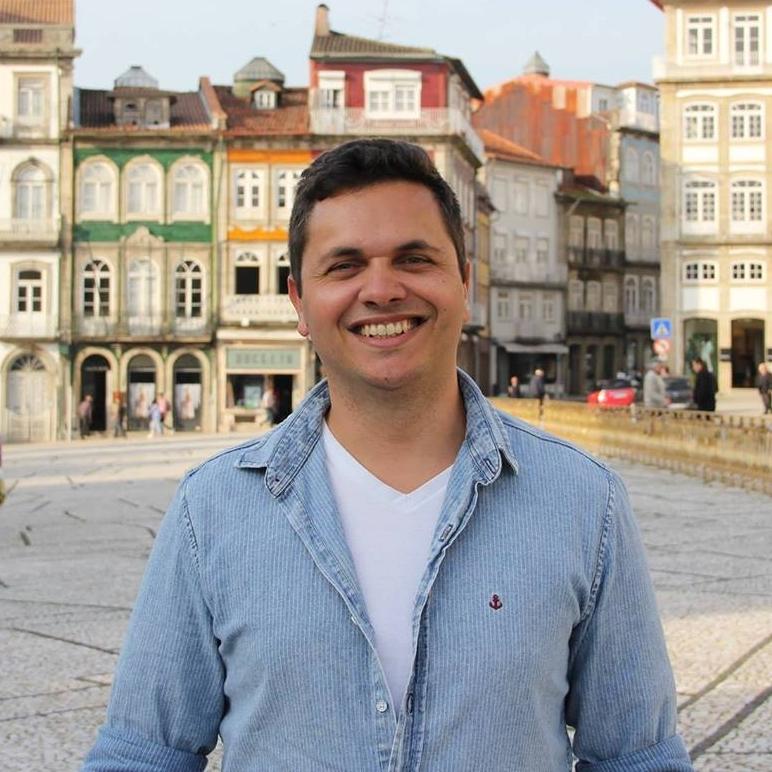 Carlos Eduardo Novinho