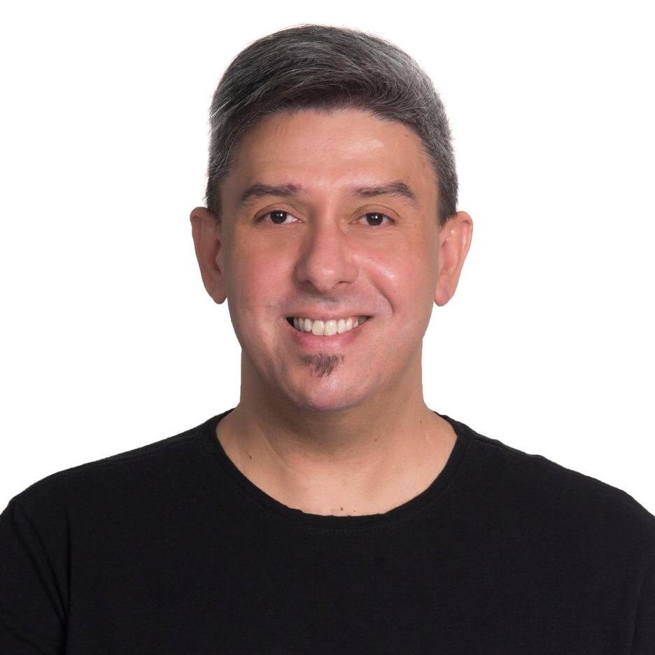 Prof. Dr. Cláudio Lucena